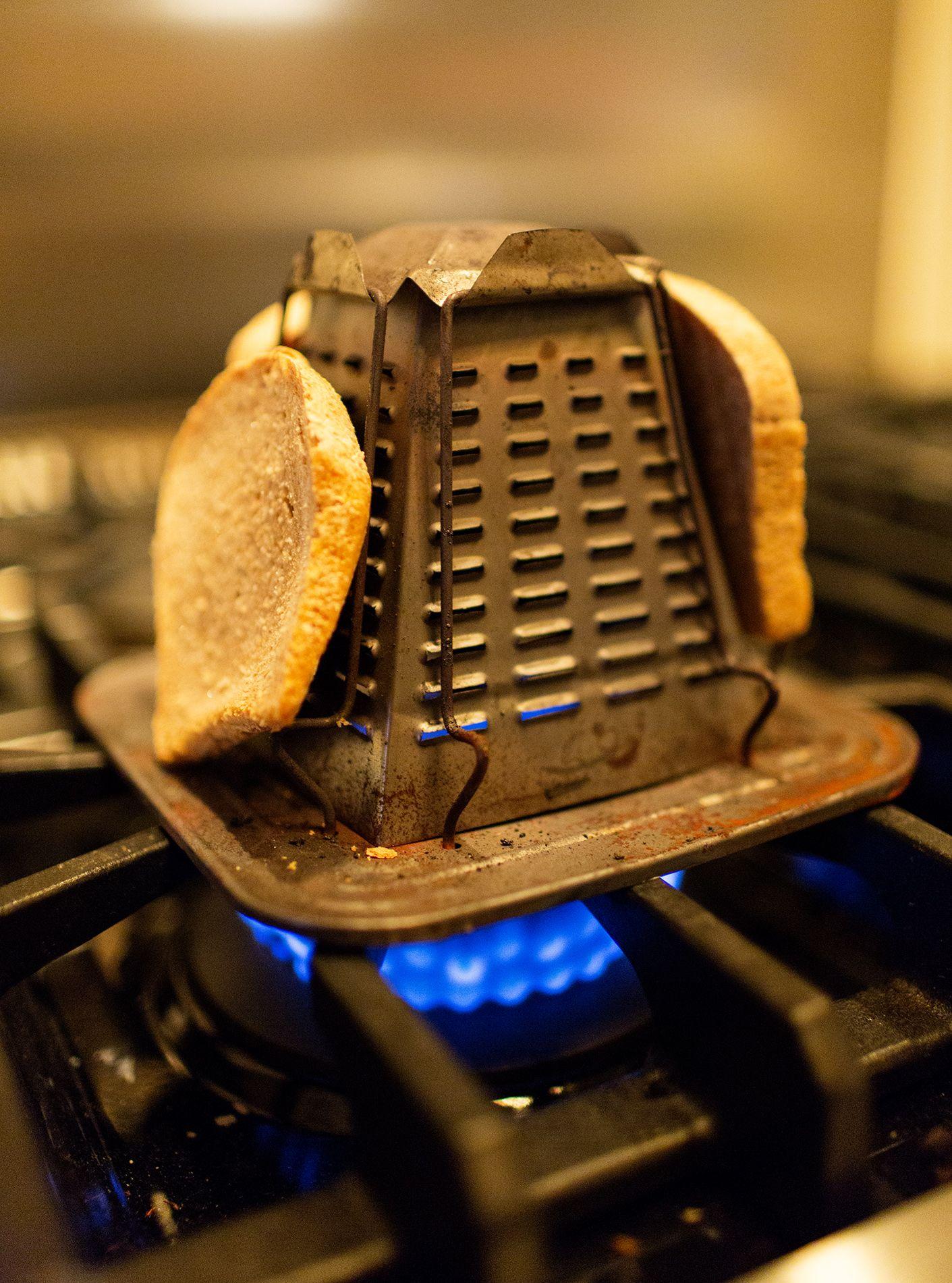 1900's toaster